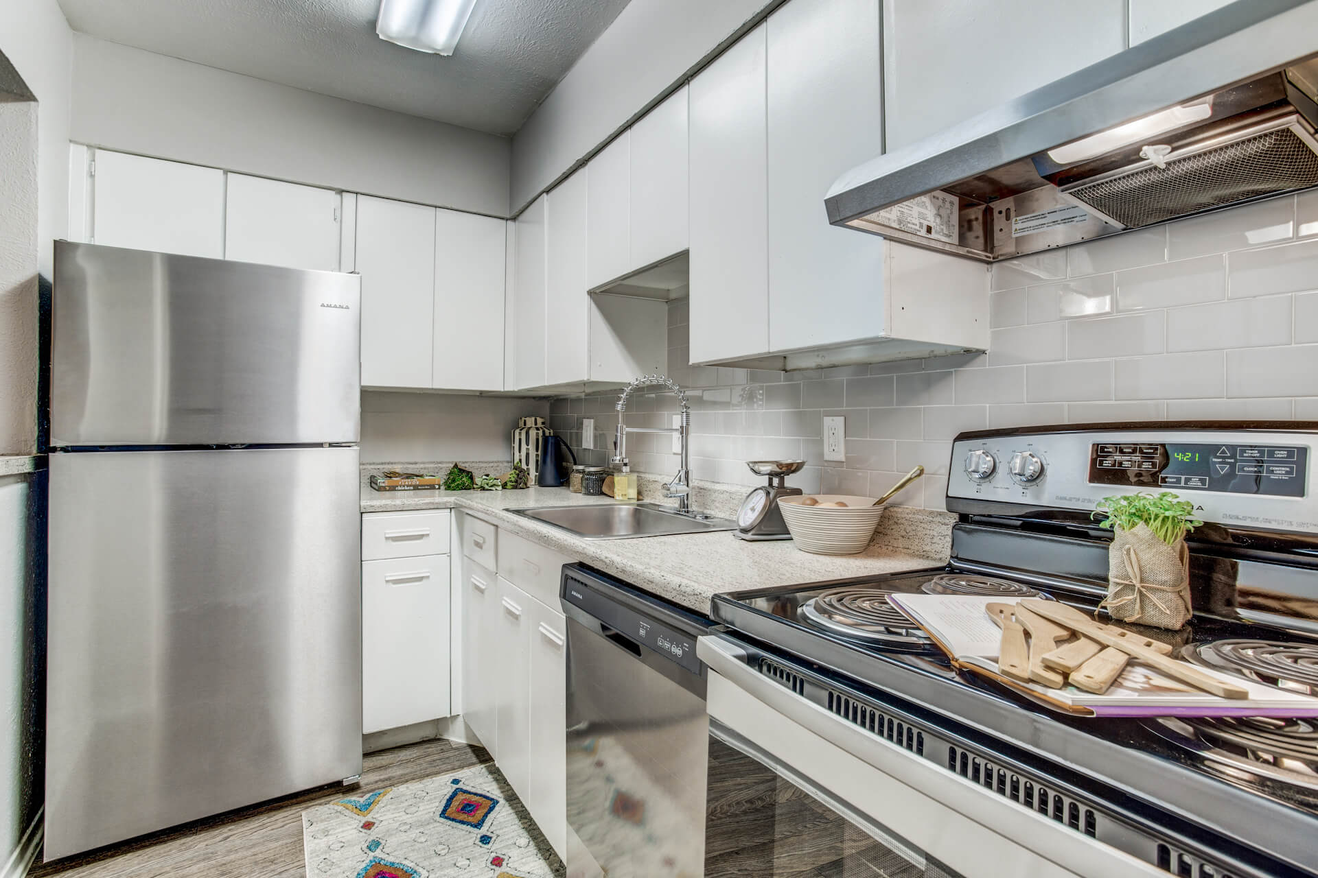 Upgraded kitchen at Macarthur Place at 183